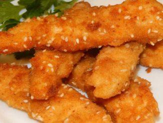 Готовим хрустящие пальчики из куриного филе